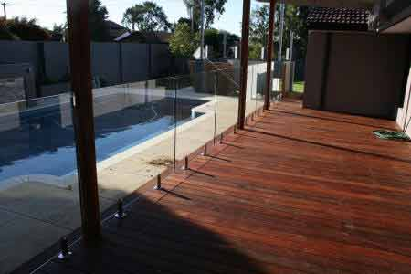 Pool And Decking Glass Fencing